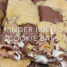 Gooey, Delicious Kinder Bueno Cookie Bars packed full with Kinder Chocolate and Kinder Bueno pieces! Gooey, Delicious Kinder Bueno Cookie Bars packed full with Kinder Chocolate and Kinder Bueno pieces! Tray Bake Recipes, Easy Cake Recipes, Sweet Recipes, Baking Recipes, Dessert Recipes, Baking Ideas, Chocolate Cookie Recipes, Brownie Recipes, Chocolate Cupcakes