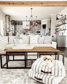 Looking for for pictures for farmhouse living room? Check out the post right here for amazing farmhouse living room inspiration. This particular farmhouse living room ideas seems totally superb. My Living Room, Home Interior, Interior Design Living Room, Home And Living, Living Room Designs, Small Living, Cozy Living, Living Room Next To Kitchen, Farm House Dinning Room