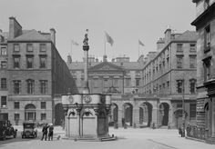 Old Edinburgh: 29 Amazing Vintage Photos Show the Capital of Scotland From Between the and ~ vintage everyday Old Town Edinburgh, Edinburgh Scotland, Old Photos, Vintage Photos, Scottish People, Photo Backgrounds, Scenery, Around The Worlds, Street View