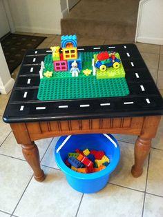 die besten 25 lego duplo tisch ideen auf pinterest spielzeug bauen lego duplo zug und. Black Bedroom Furniture Sets. Home Design Ideas