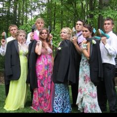 creative prom picture idea! This is so funny