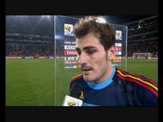 Sara Carbonero entrevista a Iker Casillas en el Paraguay - España