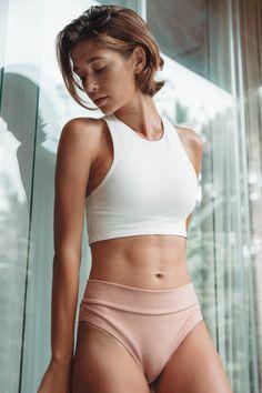 LÉ BUNS is an Australian eco-friendly collection of luxe organic cotton underwear & sustainable swimwear. Cotton Crop Top, Crop Top Bra, Crop Tops, Cotton Bralette, Black Peach, Gym Tops, Cotton Underwear, Long Torso, Beachwear