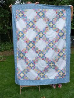 Retro Quilt Lover: June 2009  Triple Irish Chain with same colors where chains meet