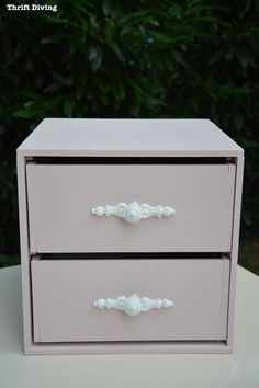 How to Make Furniture Appliques with Clay Molds - Pale pink furniture with white appliques - Thrift Diving Pink Furniture, Retro Furniture, Repurposed Furniture, Furniture Making, Painted Furniture, Furniture Ideas, Decoupage Furniture, Funky Junk Interiors, Diy Clay