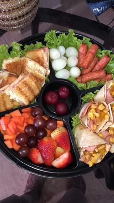 Muhammed Sav, Party Food Platters, Cute Spring Nails, Smoothie Bar, Canapes, I Foods, Waffles, Picnic, Brunch