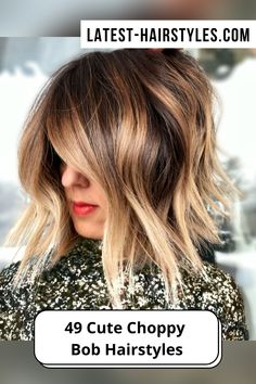 A little volumizing spray can bring out texture to jazz up a choppy cut. Visit our website to see our collection of popular choppy bob hairstyles. Photo credit: Instagram @summerevansstudio Choppy Lob, Choppy Bob Hairstyles, Latest Hairstyles, Textured Bob, Cut And Style, Hair Designs, Bob Cut, Short Hair Cuts, Hair Makeup