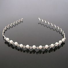 - Material : Alloy,Rhinestone - Quantity : One Piece Hair Accessory
