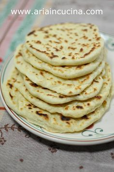 Quick buns with philadelphia – Dinner Recipes Pizza Recipes, Bread Recipes, Cooking Recipes, I Love Food, Good Food, Yummy Food, Focaccia Pizza, Bread And Pastries, Food Lists
