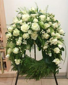 Arrangements Funéraires, Funeral Floral Arrangements, Casket Flowers, Funeral Flowers, Wedding Flowers, Ikebana, Casket Sprays, Funeral Tributes, Memorial Flowers