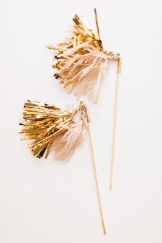 Metallic stirrers: http://www.stylemepretty.com/living/2015/11/04/metallic-party-moments-to-try/: