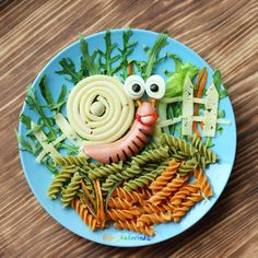 Apple Food Art For Kids Apfelnahrungsmittelkunst Für Kinder – New Ideas Food Art For Kids, Cooking With Kids, Food Kids, Art Kids, Cute Snacks, Cute Food, Funny Food, Food Carving, Kids Menu
