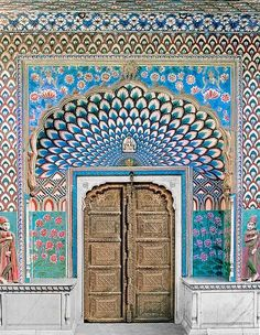 Door of Shiva - India, Jaipur, City Palace, century : I want my house to have a grand entrance like this. Taj Mahal, Shiva India, Porches, Indian Architecture, Ancient Architecture, Modern Architecture, Varanasi, Incredible India, Amazing