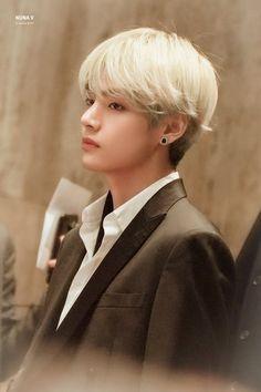 Taehyung_ I'll make you horny and needy for me baby~ [updates… Bts Kim, Vlive Bts, Kim Namjoon, Kim Taehyung, Bts Bangtan Boy, Jung Hoseok, Seokjin, Taehyung Fanart, Jimin Jungkook