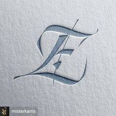Gothic Lettering, Graffiti Lettering Fonts, Tattoo Lettering Fonts, Hand Lettering Alphabet, Lettering Design, Calligraphy Drawing, Calligraphy Letters, Lettrage Chicano, Fancy Writing