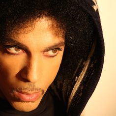 """""""Stare"""" von Prince ist neu in meiner öffentlichen Playlist """"Radio Glücksschmid"""" auf Spotify zu hören!"""