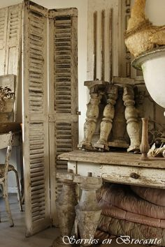 Prachtig luik/ Wonderful shutter | Romantic Living | Servies & Brocante