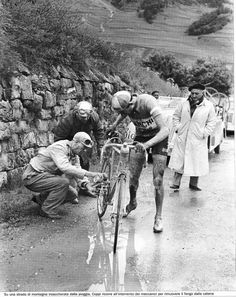 velogasm — classicvintagecycling: Coppi gets some help with...