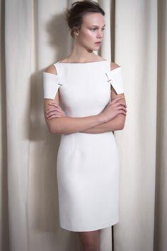 Marios Schwab Resort 2014 Fashion Show Merian, Fashion Details, Fashion Design, Little White Dresses, White Fashion, Blouse Designs, Girly Things, Fashion Show, Runway Fashion