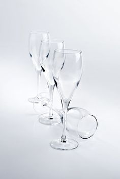 Buy a set of 12 Hostelvia Subirats Wine Glasses online from Kitchen Junky - South Africa. These wine glasses feature a funky, non-standard design. Wine Glasses Online, Champagne Flutes, Tableware, Champagne Glasses, Dinnerware, Flute Champagne Glasses, Tablewares, Dishes, Place Settings