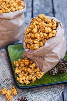 Palomitas de Caramelo Crujientes Popcorn Recipes, Candy Recipes, Fall Recipes, Holiday Recipes, Snack Recipes, Healthy Recipes, Snacks, Real Mexican Food, Mexican Food Recipes