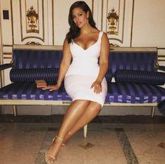 Une mannequin de 28 ans fait la taille 48... Elle affirme concurrencer toutes les mannequins plus mince qu'elle !