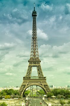 The Eiffel Tower, France. Oh The Places You'll Go, Places To Travel, Places To Visit, Travel Around The World, Around The Worlds, Adventure Is Out There, Dream Vacations, Cool Photos, Amazing Photos