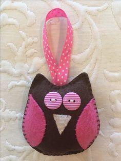 Felt crafts, felt ornament, owl, made by Janis