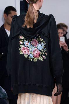 Veronique Branquinho   Paris Fashion Week   Spring 2017