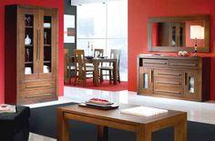 Combinación muebles en tono nogal, con pared roja. Vía tudecora.com