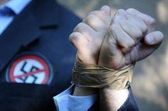 La Fiscalía General de Budapest (Hungría) anunció ayer la detención del presunto criminal de guerra nazi László Csatáry, de 96 años. Ver más en: http://www.elpopular.com.ec/58089-detenido-posible-criminal-nazi.html?preview=true