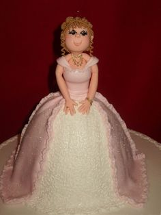 I love dolls but even more doll Cake!