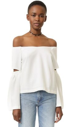 ¡Cómpralo ya!. Re:Named Off Shoulder Cutout Sleeve Top - Off White. An off shoulder re:named top with a relaxed look. Elbow cutouts detail the flared long sleeves. Elastic neckline. Hidden back zip. Lined. Fabric: Stretch crepe. Shell: 97% polyester/3% spandex. Lining: 100% polyester. Dry clean. Imported, China. Measurements Length: 15.25in / 39cm, from center back Measurements from size S. Available sizes: L,M,S , tophombrosdescubiertos, sinhombros, offshoulders, offtheshoulder…