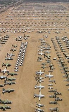 Rust in Peace: Non-Human Graveyards-- These are all abandoned military planes just sitting in the desert! Just before my husband retired from the military, he got to fly his to the Bone Yard. Photo Avion, Rust In Peace, Military Aircraft, Military Jets, Abandoned Places, Fighter Jets, Places To Visit, Airplanes, Photos