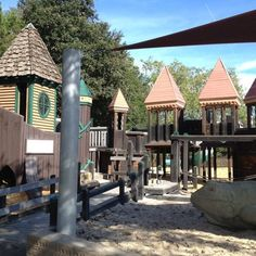 Playground Fantastico - Lots of windy nooks & crannies for kids to squeeze in & around - Napa, CA, United States