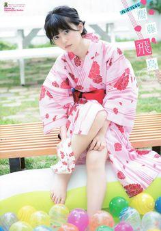 齋藤飛鳥 乃木坂46 Beautiful Japanese Girl, Japanese Beauty, Beautiful Asian Women, Geisha, Cute Kimonos, Yukata Kimono, Barefoot Girls, Japan Girl, Japanese Outfits