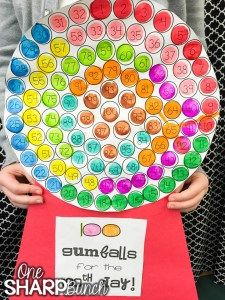 Celebrate the Day of school with these engaging Day of School ideas. sure to have your kiddos begging for more Day of Kindergarten fun! Check out how this teacher adapted the Day of school gumball machine to support her kindergarten students! 100th Day Of School Crafts, 100 Day Of School Project, School Projects, School Ideas, 100th Day Project Ideas, 100 Days Of School Centers, Project 100, Kindergarten Projects, Kindergarten Activities