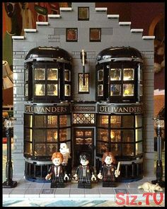 Wow 😱 what an amazing moc ! This is next level . BrickGeekz) 😍😎 AMAZING if you would like to be featured in… Lego Minecraft, Lego Moc, Cool Minecraft Houses, Lego Duplo, Minecraft Skins, Minecraft Buildings, Lego Hogwarts, Lego Harry Potter, Harry Potter Dolls