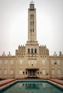 CAMINANDO LA PAMPA: Pellegrini, el edificio municipal, obra de Salamone, Buenos Aires, Argentina