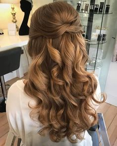 Hochzeit Haar Wedding hair images of bridal hair styles - hair style image Quince Hairstyles, Bride Hairstyles, Down Hairstyles, Pretty Hairstyles, Hairstyle Wedding, Curly Prom Hairstyles, Prom Hairstyles For Long Hair Half Up, Hairstyles For Dances, Hairstyles For Homecoming