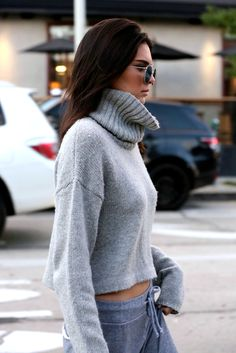 Do a chunky turtleneck sweater with sweats like kendall jenner