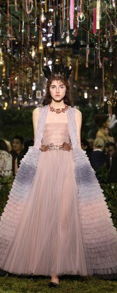 크리스찬 디올 [Christian Dior] 공식 사진들, S/S 2017 - 오뜨 꾸뛰르 - http://ko.orientpalms.com/Christian-Dior-6609