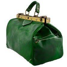 Genuine Leather Bag for Doctor Fashion Handbags, Fashion Bags, Fashion Accessories, Designer Purses And Handbags, Purses And Bags, Green Leather, Leather Bag, Gladstone Bag, Brown Bags