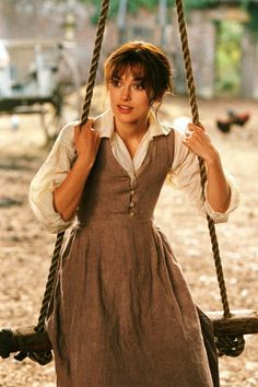 Pride & Prejudice - Publicity still of Keira Knightley Pride And Prejudice Author, Pride & Prejudice Movie, Keira Knightley, Estilo Blair Waldorf, Elizabeth Bennet, Jumper Dress, Jane Austen, Vintage Looks, Pride And Prejudice