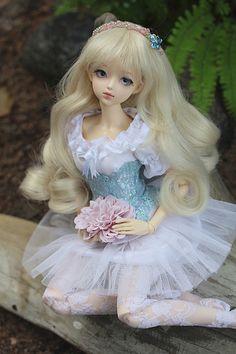 Rosette Sakura head on Fairyland Chicline body Tiny Dolls, Ooak Dolls, Blythe Dolls, Pretty Dolls, Cute Dolls, Beautiful Dolls, Poppy Parker, Anime Dolls, Child Doll