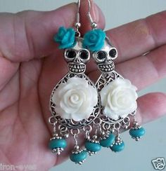 Day of the Dead Cinco de Mayo Turquoise White Wedding Sugar Skull Bead Earrings Halloween Earrings, Halloween Jewelry, Holiday Jewelry, Skull Jewelry, Beaded Jewelry, Sugar Skull Wedding, Sugar Skull Earrings, Mexican Jewelry, Beaded Skull