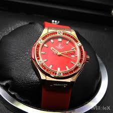 những chiếc đồng hồ hiện nay không chỉ để xem giờ mà con là thời trang