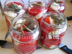 » Gogosari cu conopida in otetCulorile din Farfurie Punch Bowls, Vegetables, Food, Hoods, Vegetable Recipes, Meals, Veggies