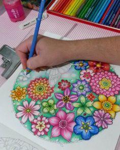 """3 Likes, 1 Comments - Karina Andrade (@arte.conceito) on Instagram: """"Sobre meu sábado à noite . ......sobre amar cores. .....sobre amar colorir.....sobre meu sossego!…"""""""