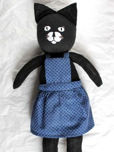 DIY: make an utterly adorable cat doll from a pair of socks!